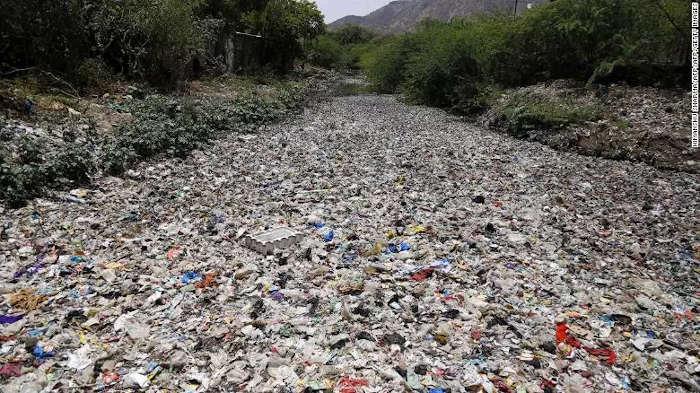 rác nhựa
